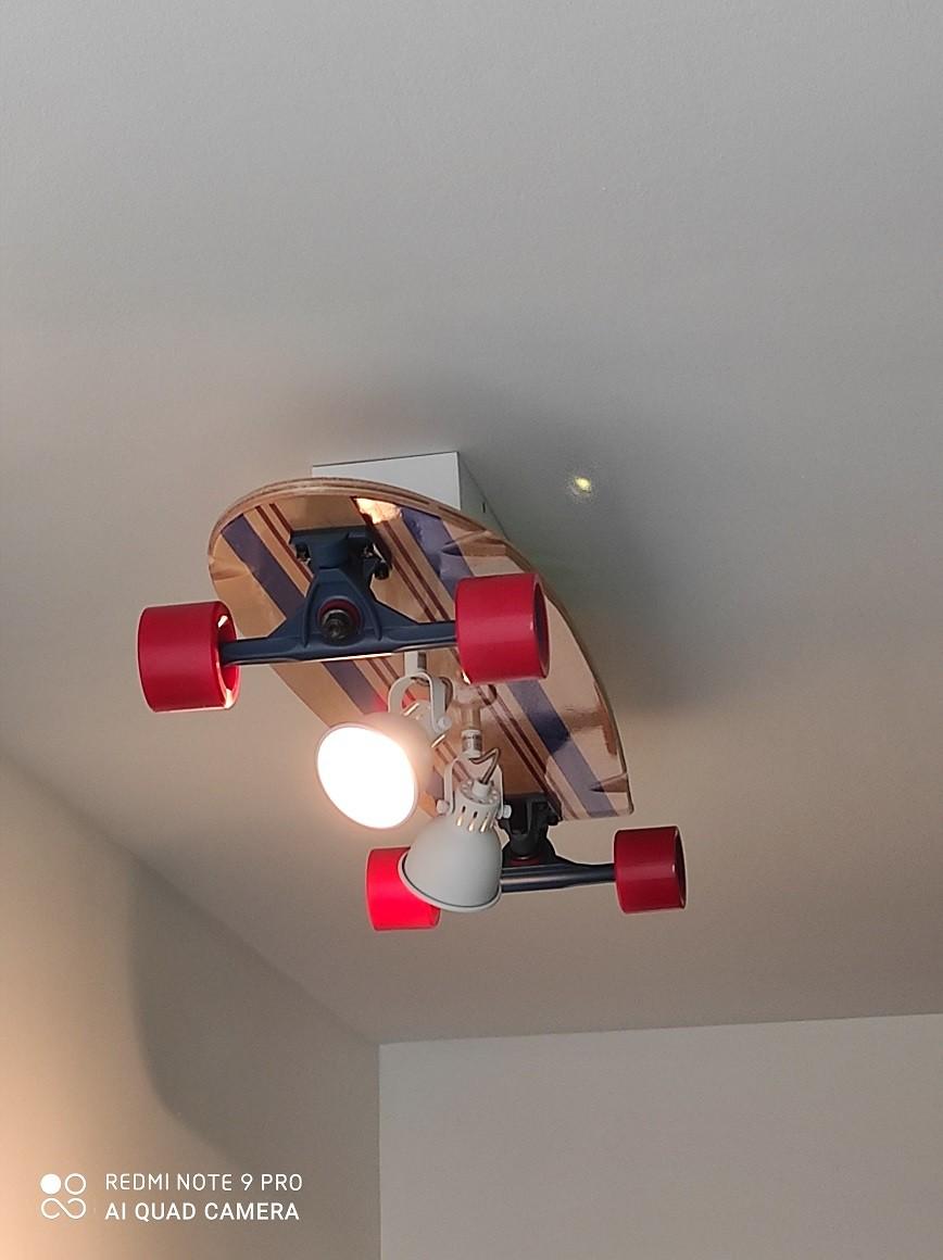 Création d'un luminaire à partir d'un skateboard